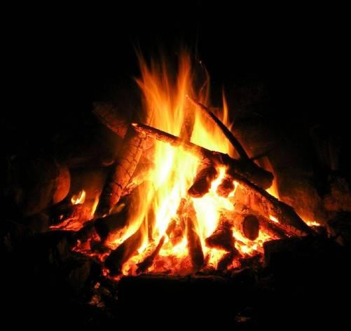 A-campfire-closeup-200512