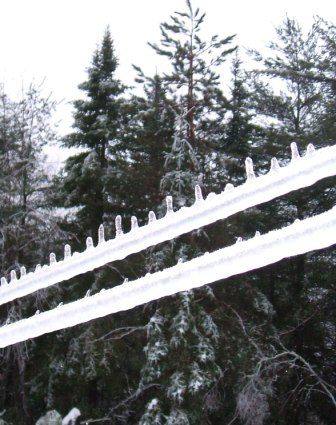 Clothes Line Inverted Icicles B 2012122
